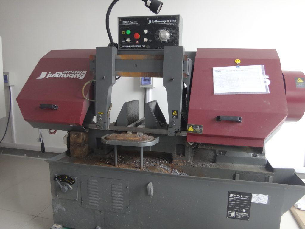 Sierra de Corte preparacion de muestras control de calidad