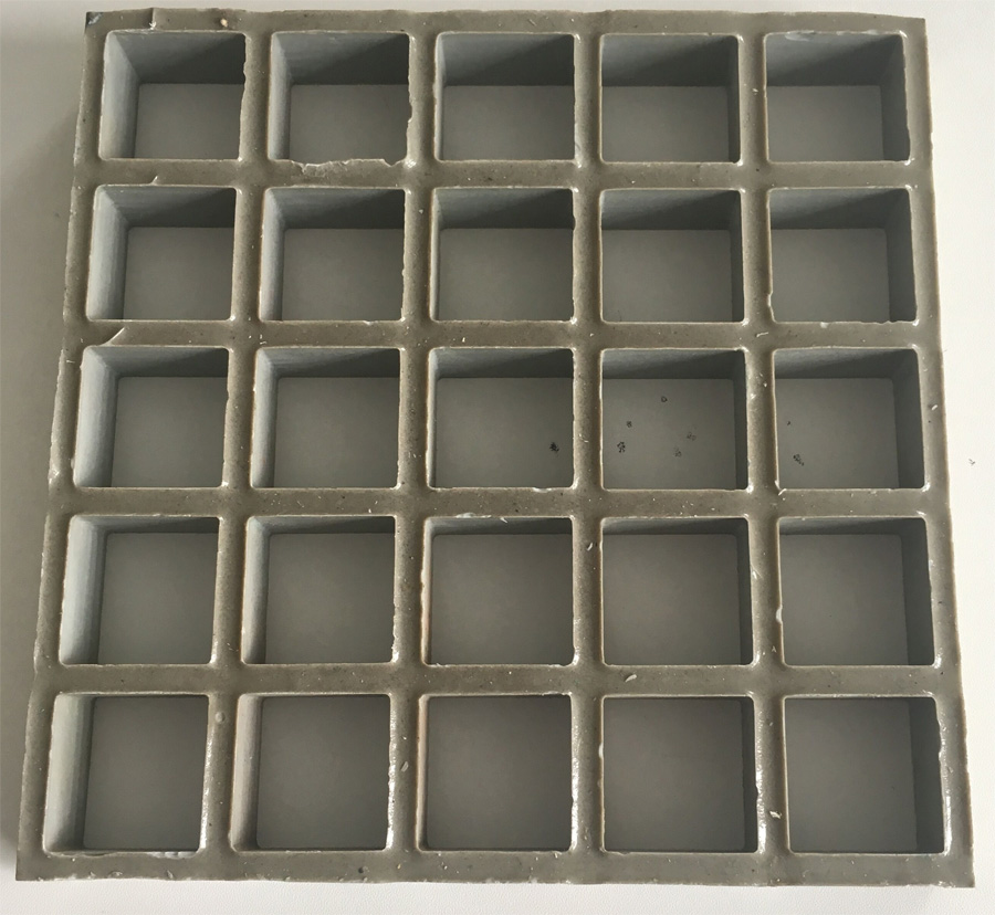 Concave surface grating (antislippery)